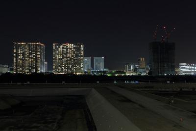 有明のブリリアシリーズ3棟の夜景