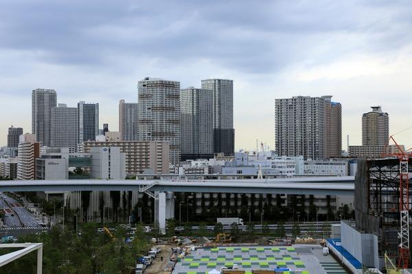 有明ガーデンから見た東雲のタワーマンション群
