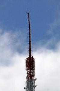 曲がった東京タワーの先端