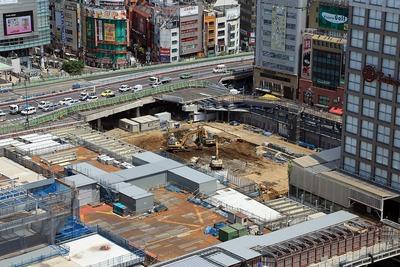 新宿駅新南口駅開発ビル