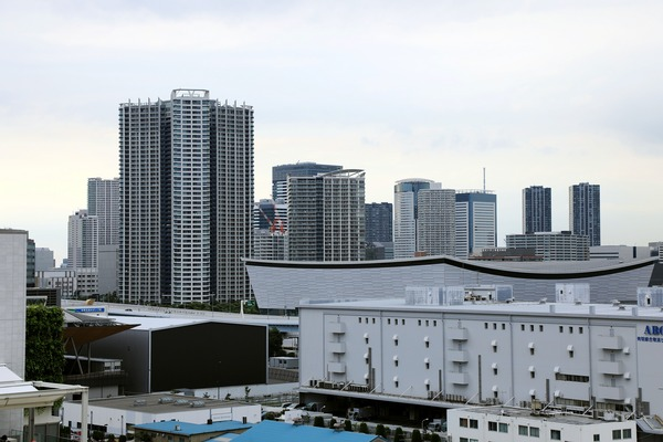 有明ガーデンから見た豊洲の超高層ビル群