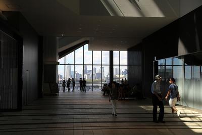 渋谷ヒカリエ内