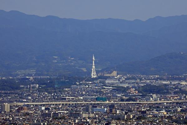 あべのハルカスから見たPLタワー