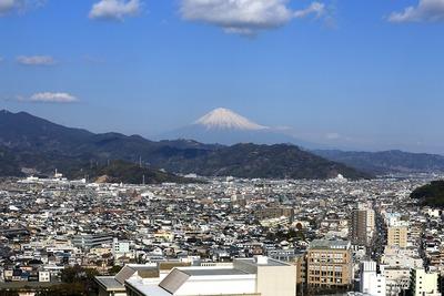 静岡県庁別館から見た富士山