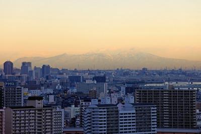 船堀駅前トキタワーから赤城山