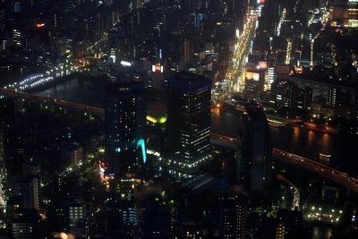 東京スカイツリーの展望台から見たリバーピア吾妻橋の夜景
