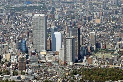 空撮 池袋の超高層ビル群