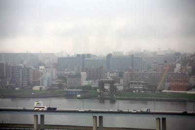 視界の悪い東京