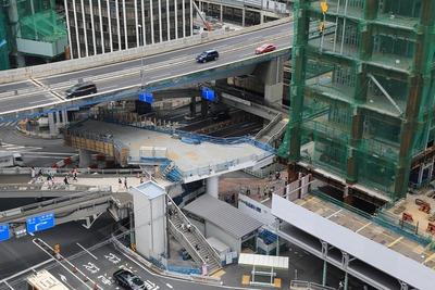 渋谷東口歩道橋の掛け替え工事