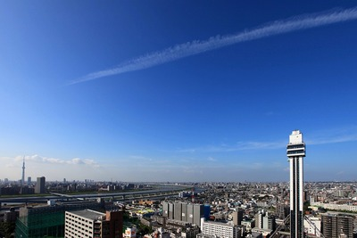 本日の飛行機雲