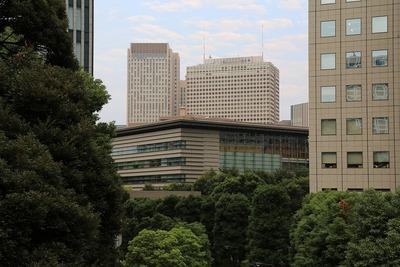 山王日枝神社から見る首相官邸と霞が関ビル