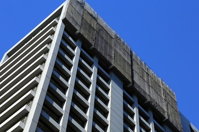旧長銀ビル(新生銀行旧本店ビル)の解体工事
