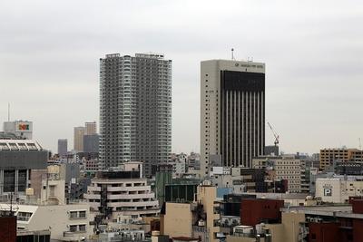 浅草文化観光センターから見たザ・浅草タワー