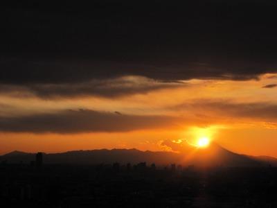 ハーモネスタワー松原からダイヤモンド富士!の一歩手前…