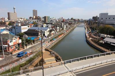西水門広場から新川方向の眺め