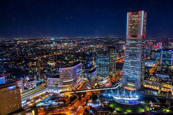 ザ・タワー 横浜北仲の屋上スカイテラスからの夜景