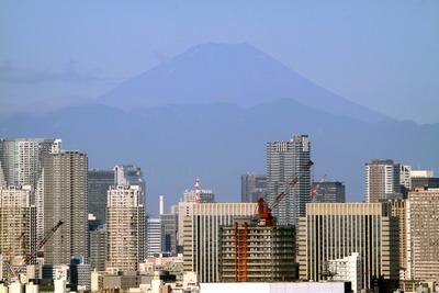 自宅マンションから見た富士山