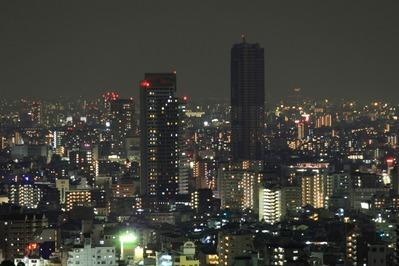 クラウンプラザ神戸から御影タワーレジデンス方面の夜景