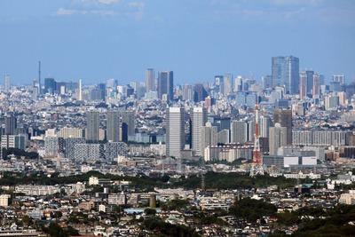 横浜ランドマークタワーから見た新川崎方面の超高層ビル群