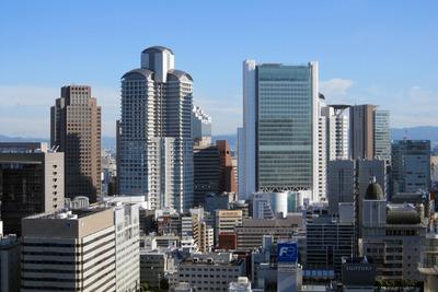 アパホテル<大阪肥後橋駅前>から見たブリーゼタワー