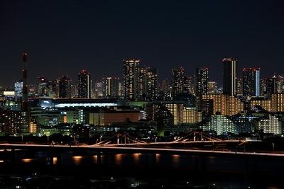 東雲のタワーマンション群の夜景