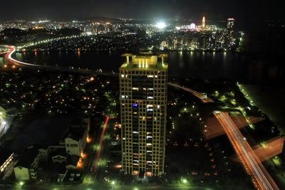福岡タワーから見たスカイドリームフクオカ方面の夜景