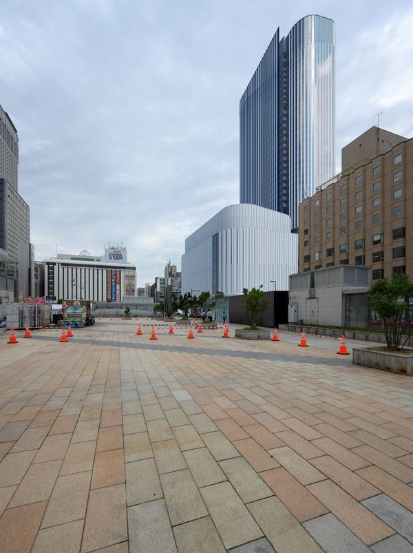 (仮称)札幌駅南口北4西3地区第一種市街地再開発事業 札幌駅南口駅前広場から見た完成予想図