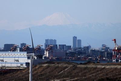 東京ゲートブリッジから見た富士山