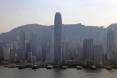 凱旋門から香港島の眺め