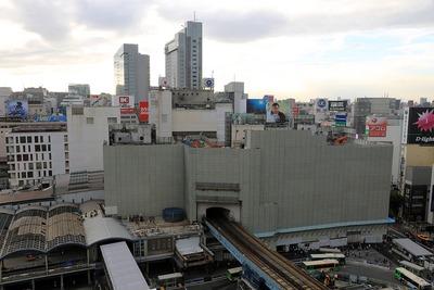 東急百貨店東横店の解体工事
