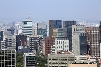 東京タワーから見た丸の内・大手町の超高層ビル群