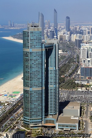 エティハド・タワーズから見たNation Towers Residential Lofts