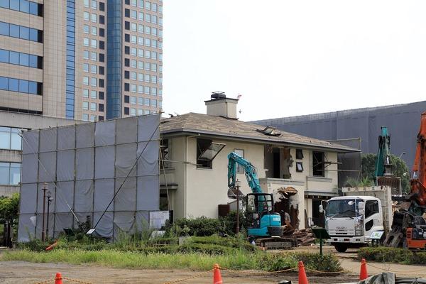 解体中の横浜ホームコレクション