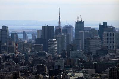サンシャイン60から見る東京タワー方面の超高層ビル群