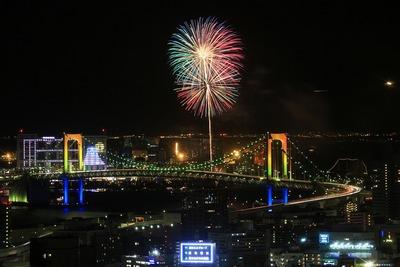 東京タワーから見たお台場レインボー花火2013