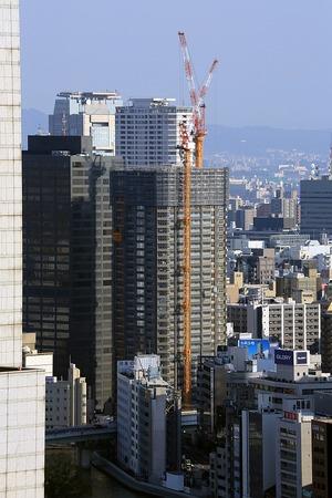 大阪駅前第三ビルから見たパークタワー北浜
