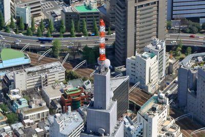 NTTドコモ代々木ビルの先っぽの空撮