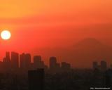 新宿と富士山と夕日 1280x1024