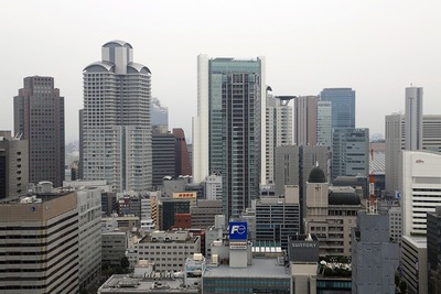 アパホテル大阪肥後橋駅前から見た堂島ザ・レジデンス マークタワー