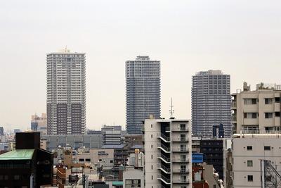 浅草文化観光センターから見た南千住のタワーマンション