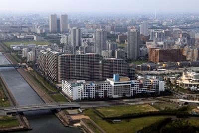 新浦安のタワーマンション群の空撮