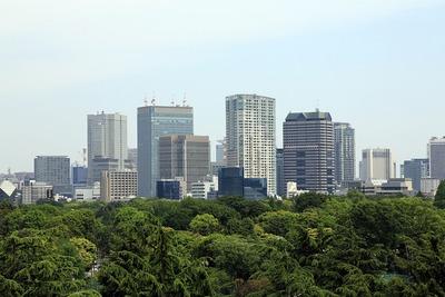 国立競技場バックスタンドから見た新宿の赤坂の超高層ビル群