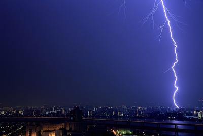 江東区のどこかに落ちたか雷
