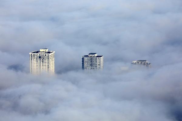 東京スカイツリーから見た雲海と南千住