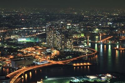 横浜ランドマークタワーからコットンハーバータワーズの夜景