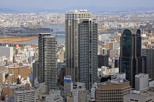中津駅前のタワーマンション群