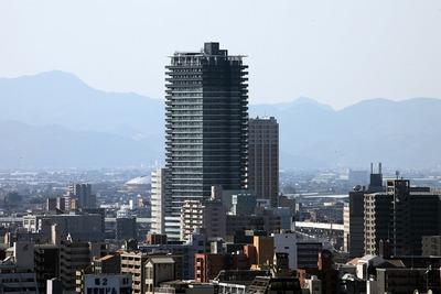 熊本城から熊本駅前の眺め