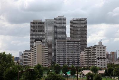 汐入タワーから見た南千住のタワーマンション群