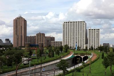汐入タワーから見た千住曙町のタワーマンション