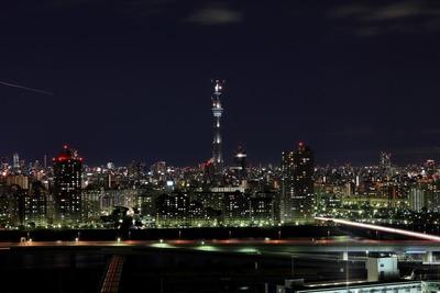 東京スカイツリーの工事用照明の一斉点灯